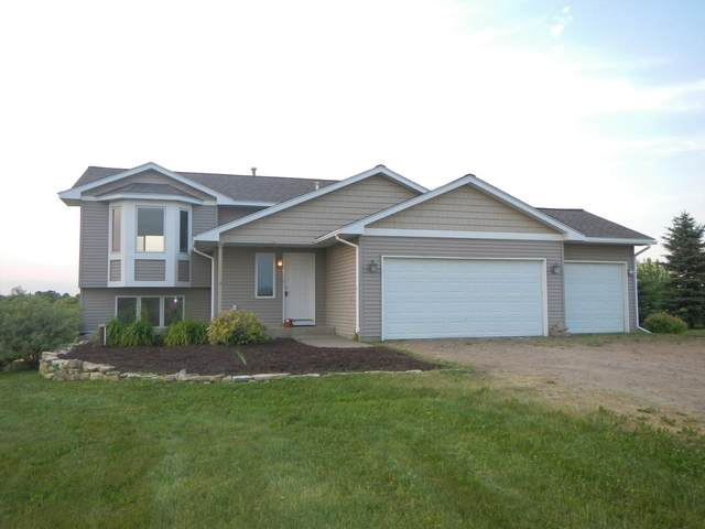 968 165th Avenue, Richmond Twp, WI 54017 (#6011075) :: Bos Realty Group