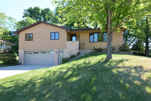 3417 Belden Drive NE, Saint Anthony, MN 55418 (#6011599) :: Happy Clients Realty Advisors