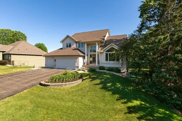 18207 Croixwood Lane, Eden Prairie, MN 55347 (#6012870) :: Bre Berry & Company