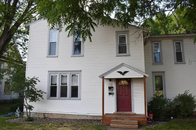 252 Vine Street, Owatonna, MN 55060 (#6013314) :: Tony Farah   Coldwell Banker Realty
