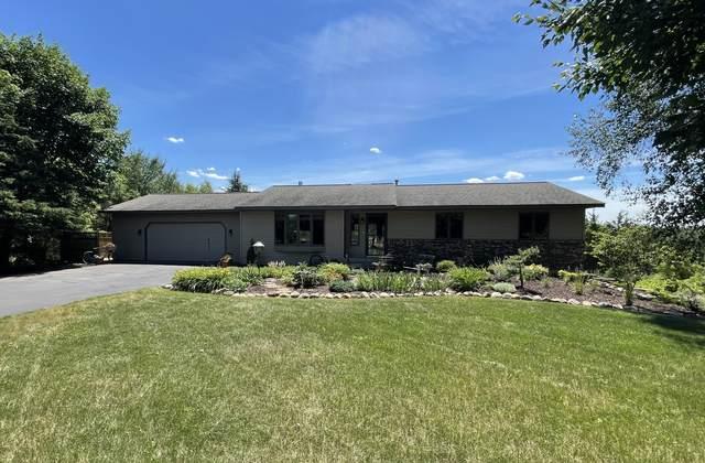 1075 Hunter Ridge, Hudson Twp, WI 54016 (#6014019) :: The Preferred Home Team