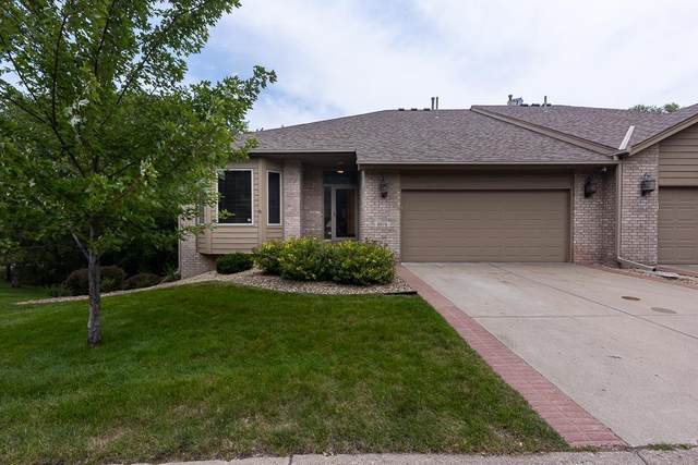 8974 Hunters Way, Apple Valley, MN 55124 (#6029295) :: Servion Realty