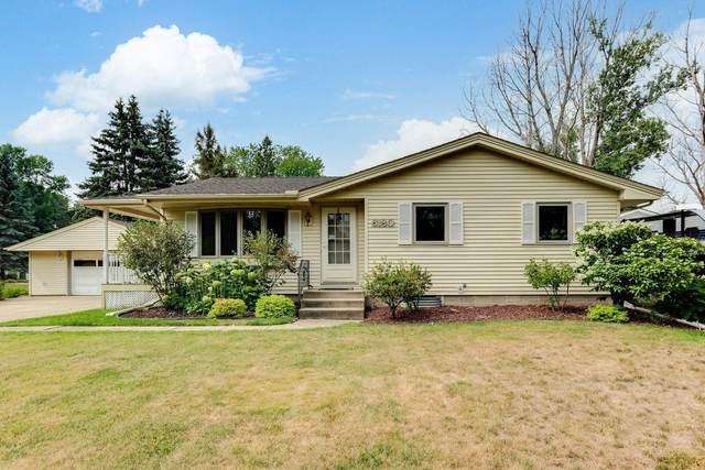 6180 Dell Lane N, Woodbury, MN 55125 (MLS #6068563) :: RE/MAX Signature Properties