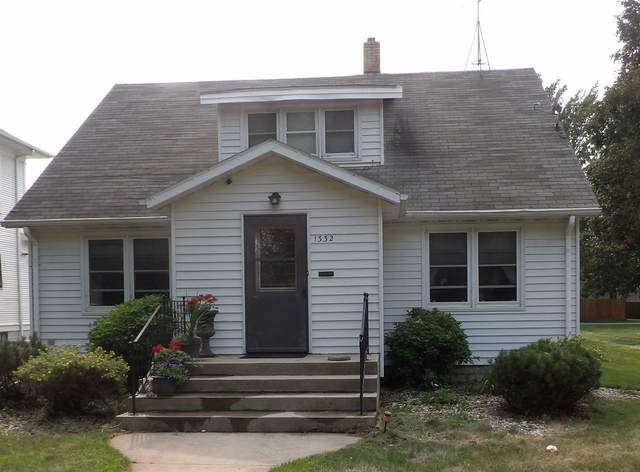 1332 2nd Avenue N, Windom, MN 56101 (#6070405) :: The Pietig Properties Group