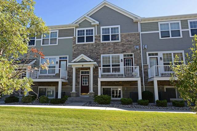 1822 Colonial Lane #4, Chanhassen, MN 55317 (#6070872) :: Bos Realty Group