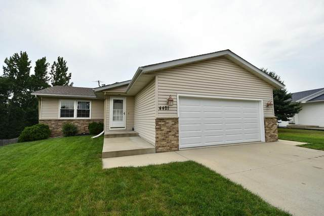 4421 10th Street NW, Rochester, MN 55901 (#6071209) :: Bos Realty Group