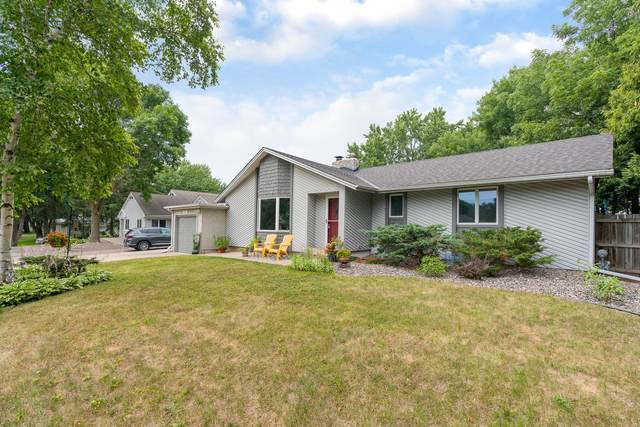 2685 Brookview Drive E, Maplewood, MN 55119 (#6071846) :: The Michael Kaslow Team