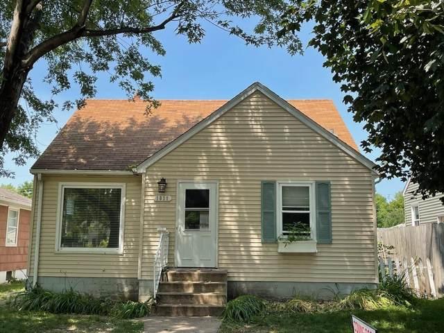 1839 Montana Avenue E, Saint Paul, MN 55119 (#6088243) :: The Pietig Properties Group