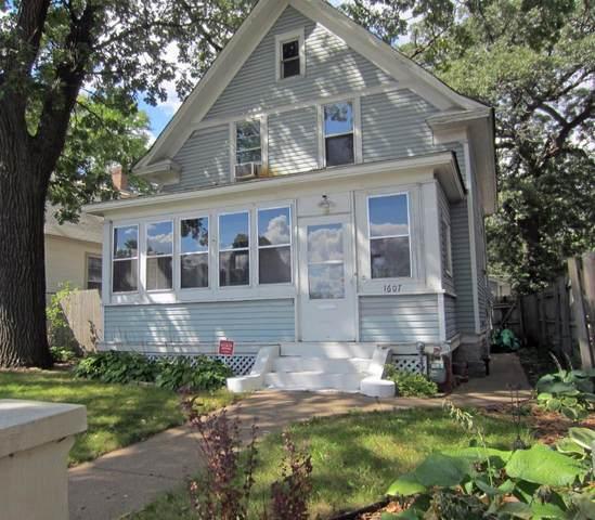 1607 7th Street W, Saint Paul, MN 55102 (#6097459) :: The Jacob Olson Team