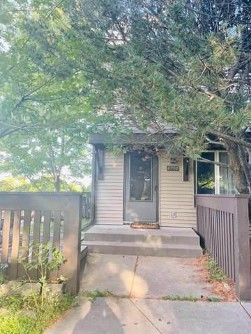 4990 Grenwich Trail N, Oakdale, MN 55128 (#6102306) :: Twin Cities Elite Real Estate Group | TheMLSonline