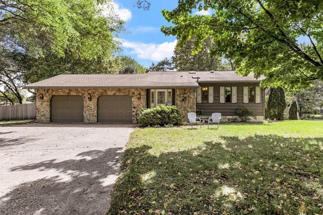1904 Chestnut Drive, Hudson, WI 54016 (#6102484) :: The Janetkhan Group