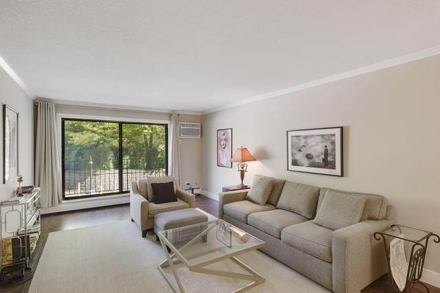 205 Barry Avenue S #111, Wayzata, MN 55391 (#6102991) :: The Pietig Properties Group