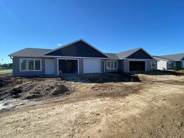 405 Alfred Court SW, Eyota, MN 55934 (#6103225) :: The Janetkhan Group