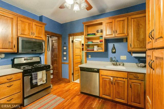 1307 Yale Place #10, Minneapolis, MN 55403 (#6103744) :: Holz Group