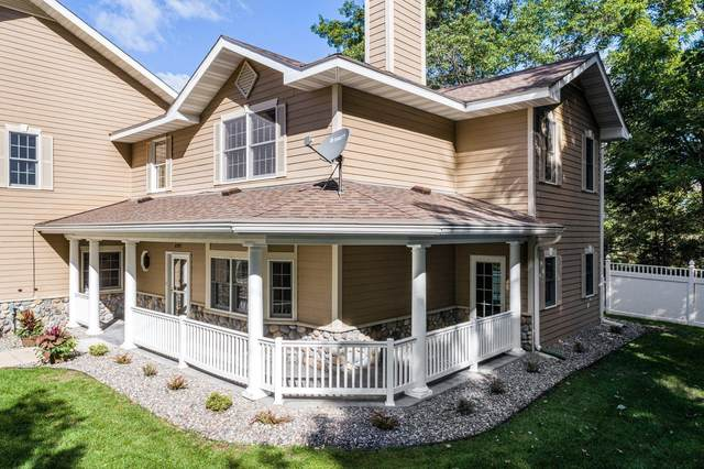4997 Johnson Avenue #102, White Bear Lake, MN 55110 (#6103828) :: The Janetkhan Group