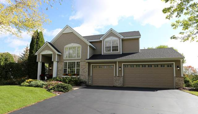 6849 Manchester Drive, Chanhassen, MN 55317 (#6103836) :: The Janetkhan Group