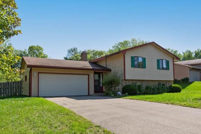 16814 Glencoe Avenue, Lakeville, MN 55044 (#6103861) :: The Janetkhan Group