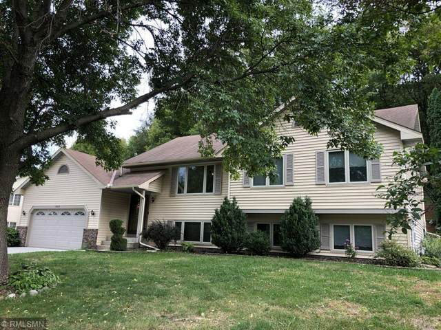 8009 Delano Way, Inver Grove Heights, MN 55076 (#6104274) :: The Janetkhan Group