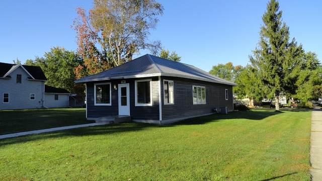 307 S Clark Street, Elmwood, WI 54740 (MLS #6104761) :: RE/MAX Signature Properties