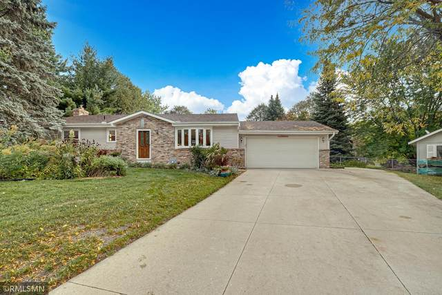 14474 Upper Guthrie Court, Apple Valley, MN 55124 (#6107079) :: The Twin Cities Team