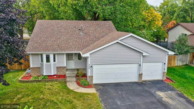 546 83rd Avenue NW, Coon Rapids, MN 55433 (#6109644) :: Servion Realty
