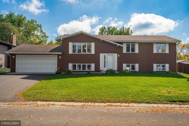 2422 Standridge Avenue, Maplewood, MN 55109 (#6109657) :: Servion Realty