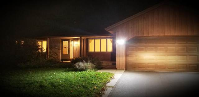 13622 Harwell Court, Apple Valley, MN 55124 (#6113902) :: Holz Group