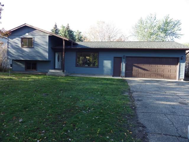 831 Cummings Lane, Saint Cloud, MN 56301 (#6113913) :: Holz Group