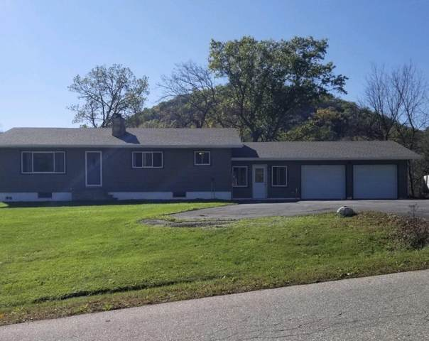 W193 Piepers Valley Road, Fountain City, WI 54629 (#6114041) :: Servion Realty