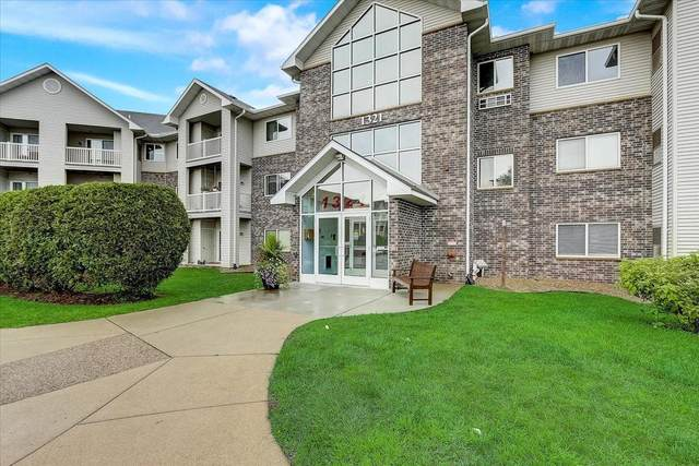 1321 Lake Drive W #324, Chanhassen, MN 55317 (#6114937) :: Keller Williams Realty Elite at Twin City Listings