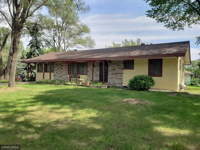 11841 Crooked Lake Boulevard NW, Coon Rapids, MN 55433 (#6115300) :: Carol Nelson | Edina Realty