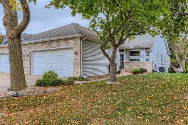 719 Emerald Ridge, Roseville, MN 55113 (#6115754) :: Straka Real Estate