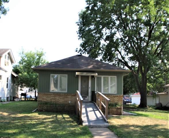 1158 Lawson Avenue E, Saint Paul, MN 55106 (#6117165) :: The Michael Kaslow Team