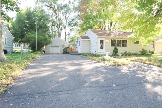 1486 Gervais Avenue, Maplewood, MN 55109 (#6118780) :: The Twin Cities Team