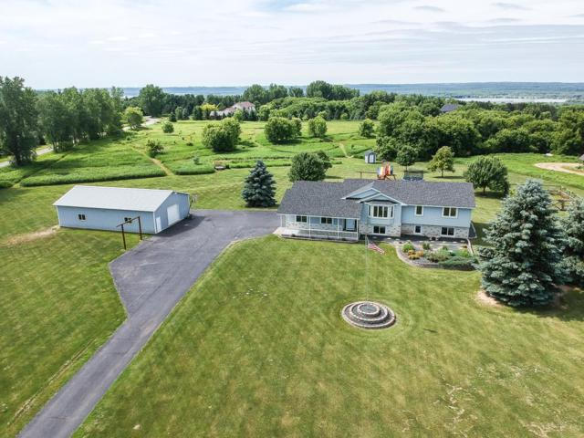 W11521 478th Avenue, Prescott, WI 54021 (#5249880) :: Hergenrother Group