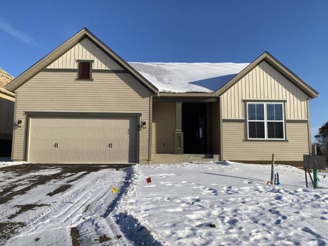 1229 Oak Tree Court, Carver, MN 55315 (#5326435) :: Bre Berry & Company