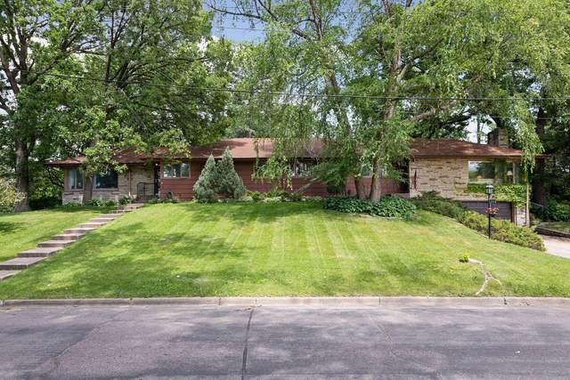 2301-2313 Cedar Shore Drive, Minneapolis, MN 55416 (#5578227) :: The Janetkhan Group