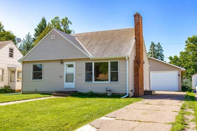 2090 Lacrosse Avenue, Saint Paul, MN 55119 (#5613762) :: The Pietig Properties Group