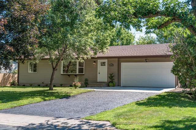 11927 Undercliff Street NW, Coon Rapids, MN 55433 (#5623310) :: The Odd Couple Team