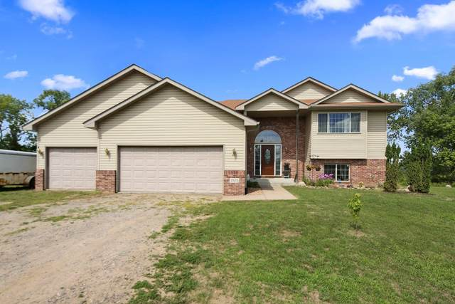 7575 370th Court NW, Dalbo, MN 55017 (#5627087) :: Bos Realty Group
