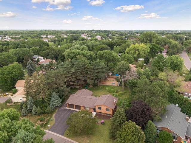 919 Valley Oaks Road, Vadnais Heights, MN 55127 (#5632949) :: Tony Farah | Coldwell Banker Realty