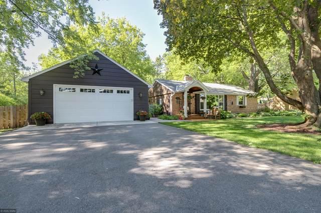 15815 Hill Road, Wayzata, MN 55391 (#5636747) :: Bre Berry & Company