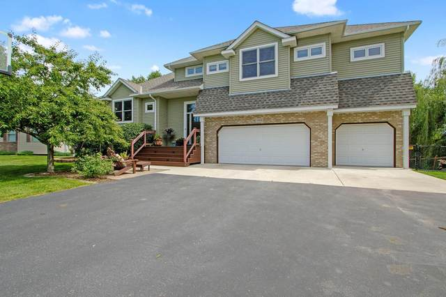 11918 N Meadow Curve, Lindstrom, MN 55045 (#5638227) :: Servion Realty