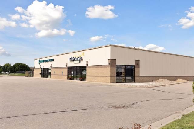 1720 Bassett Drive, Mankato, MN 56001 (#5645041) :: The Pietig Properties Group