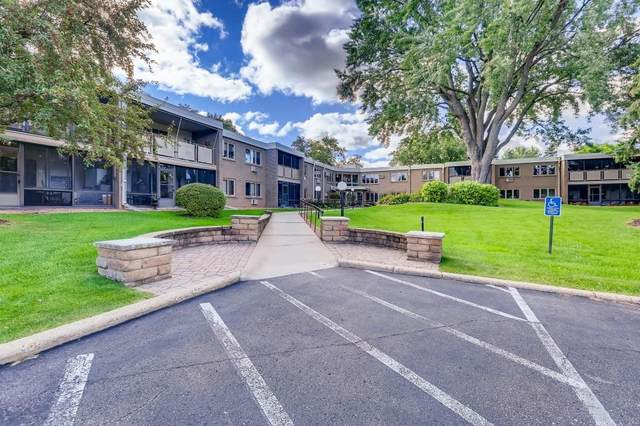 4380 Brookside Court #106, Edina, MN 55436 (#5653728) :: The Janetkhan Group