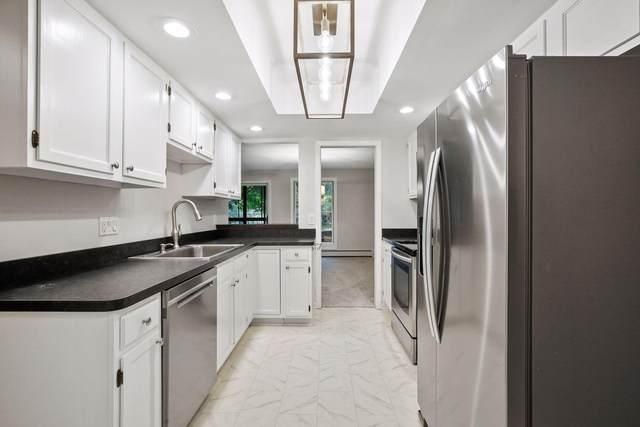 8441 Irwin Road #108, Bloomington, MN 55437 (#5655881) :: The Pietig Properties Group
