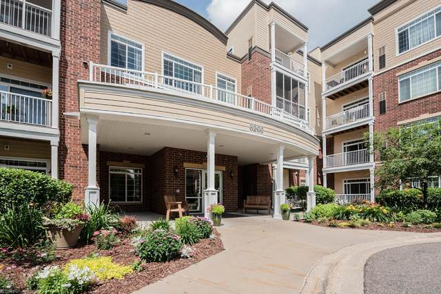8200 W 33rd Street #329, Saint Louis Park, MN 55426 (#5656144) :: The Janetkhan Group