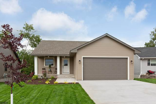 8876 Parkview Circle, Chisago City, MN 55013 (#5656634) :: Servion Realty