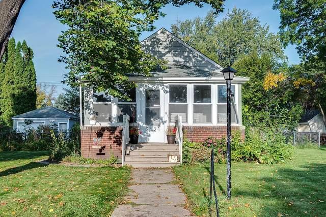 2121 Mohawk Avenue, Saint Paul, MN 55119 (#5659265) :: The Pietig Properties Group