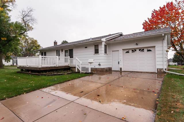 221 3rd Avenue SE, Stewartville, MN 55976 (MLS #5664595) :: The Hergenrother Realty Group